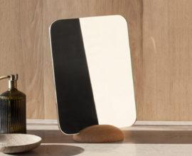 make-up spiegel met houten voet