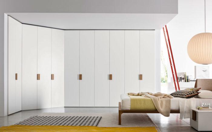 Maatwerk garderobekast met klapdeuren