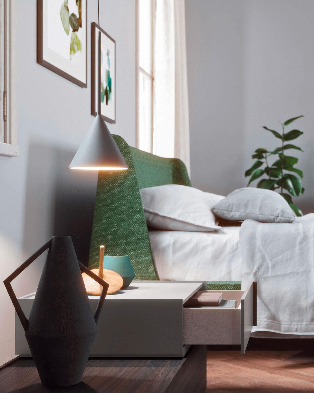bed velvet met groen hoofdbord