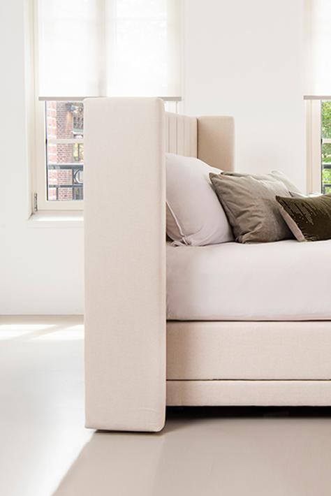 Verstelbare Meesterlyk boxspring in naturel bekleding van Bed habits